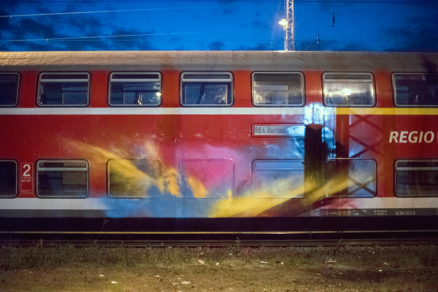Color Splash on train wagon by Moses and Taps Topsprayer The Grifters Journal