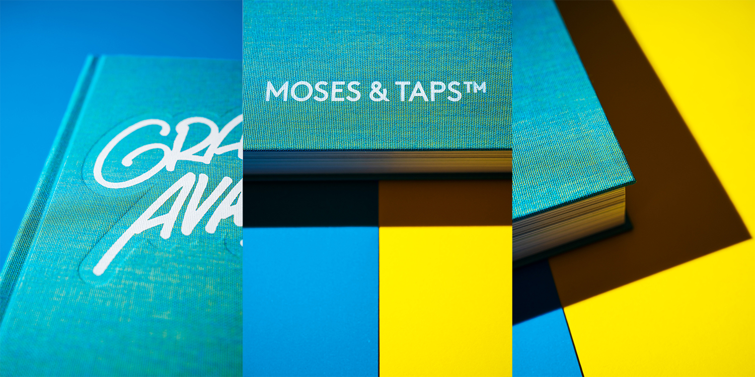 MOSES TAPS GRAFFITI AVANTGARDE BOOK STANDARD EDITION DETAILS IRIDESCENT CLOTH COVER YELLOW BLUE THE GRIFTERS PUBLISHING