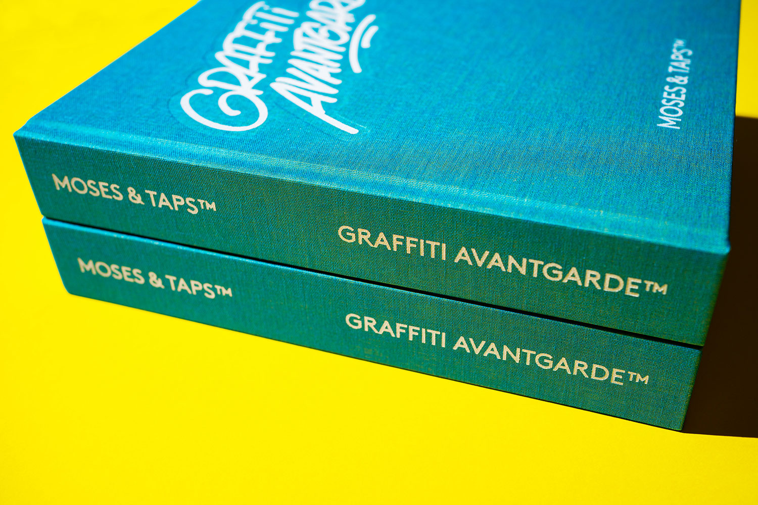 MOSES TAPS GRAFFITI AVANTGARDE BOOK STANDARD EDITION IRIDESCENT CLOTH COVER YELLOW BLUE THE GRIFTERS PUBLISHING
