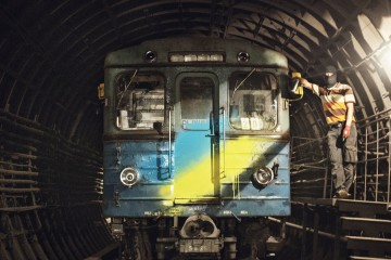 MOSES TAPS SPLASH ON RUSSIAN METRO THE GRIFTERS JOURNAL EDWARD NIGHTINGALE